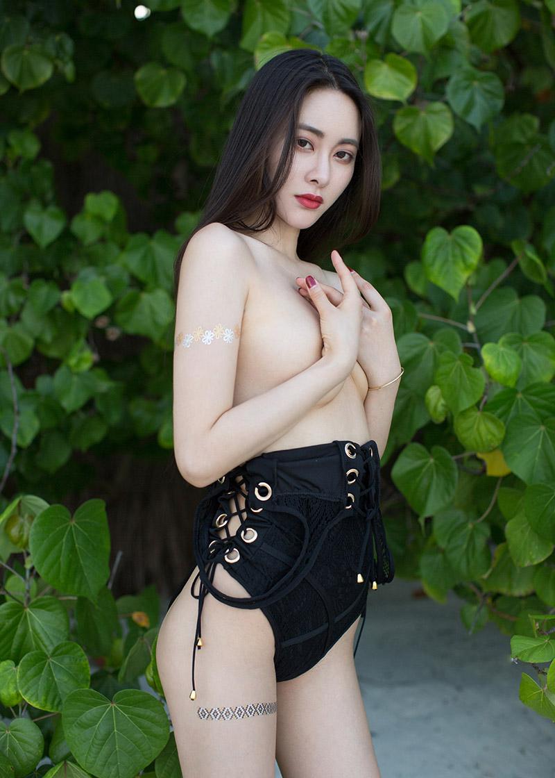 性感女神诱人翘臀尽收眼底[45P]