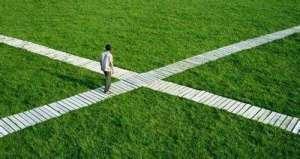 人生不是选择出来的,但人生无不面临选择!
