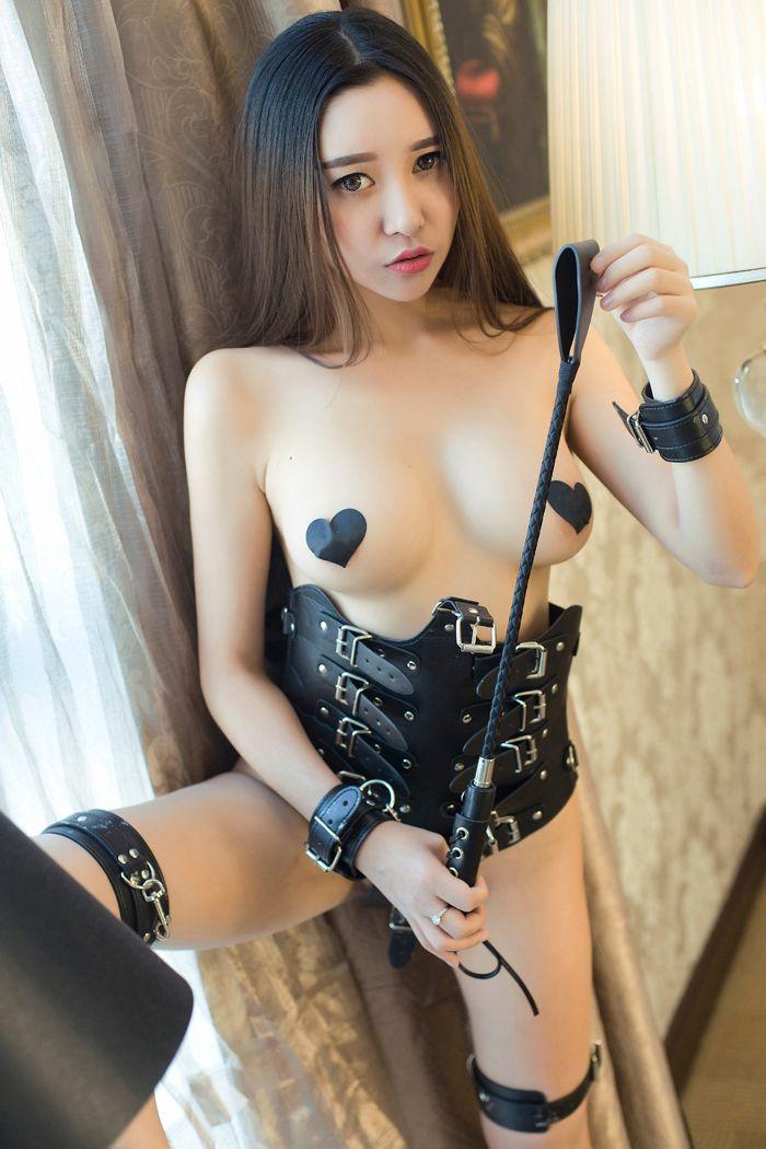 寂寞少妇李梓熙SM情趣装巨乳诱人